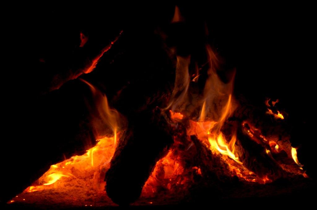 01_fire_snow_PICT4777