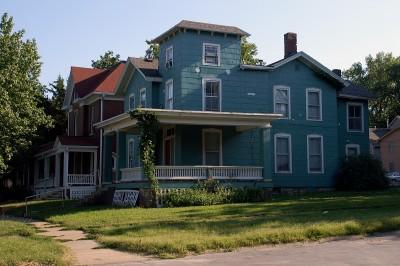 електриково-зелената къща