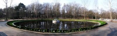 панорама - езерото с лилиите