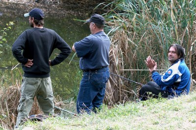 рибар глед под мустак