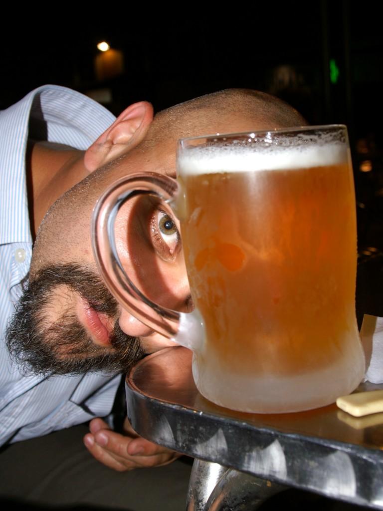 Паблоний мери прозрачността на una cervesita